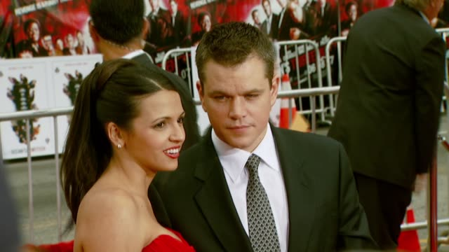 luciana damon and matt damon at the 'ocean's thirteen' north american premiere at grauman's chinese theatre in hollywood california on june 5 2007 - luciana barroso video stock e b–roll