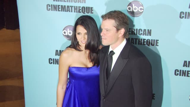 vídeos y material grabado en eventos de stock de luciana damon matt damon at the american cinematheque's 2010 award show honoring matt damon at beverly hills ca - american cinematheque