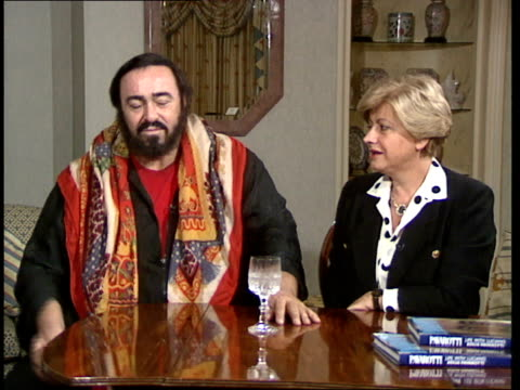 london hyde park hotel int luciano pavarotti interview sot talks about meeting his wife their life together his favourite songs his singing how he... - luciano pavarotti stock videos & royalty-free footage