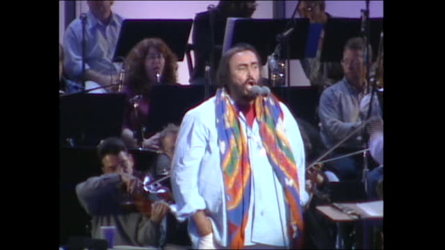 luciano pavoratti grammys rehearsal - luciano pavarotti stock videos & royalty-free footage