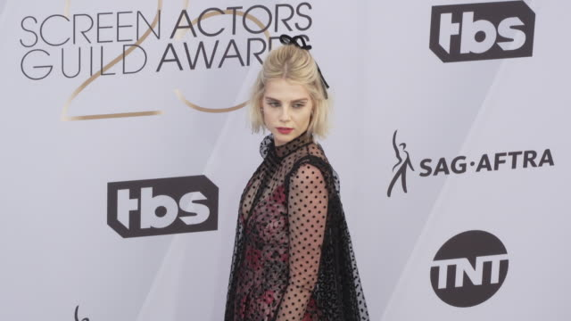 lucy boynton at 25th annual screen actors guild awards at the shrine auditorium on january 27 2019 in los angeles california - screen actors guild awards stock videos & royalty-free footage