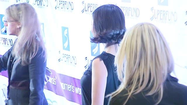 lucy liu/ actress at the 2006 women's world awards at the hammerstein ballroom in new york new york on october 14 2006 - hammerstein ballroom bildbanksvideor och videomaterial från bakom kulisserna