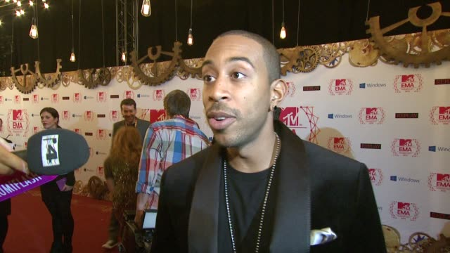 ludacris on his bling and who he's looking forward to seeing at mtv ema's 2012 red carpet arrivals at festhalle frankfurt on november 11 2012 in... - ludacris stock videos & royalty-free footage