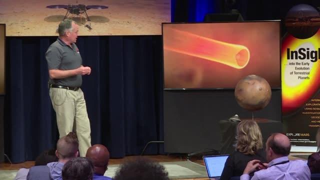 luego de siete anos de trabajo y siete meses de viaje por el espacio restan casi siete minutos de angustia: la sonda estadounidense insight se... - tocar stock videos & royalty-free footage