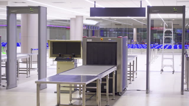 Bagage op de luchthaven x-ray apparaat controleren
