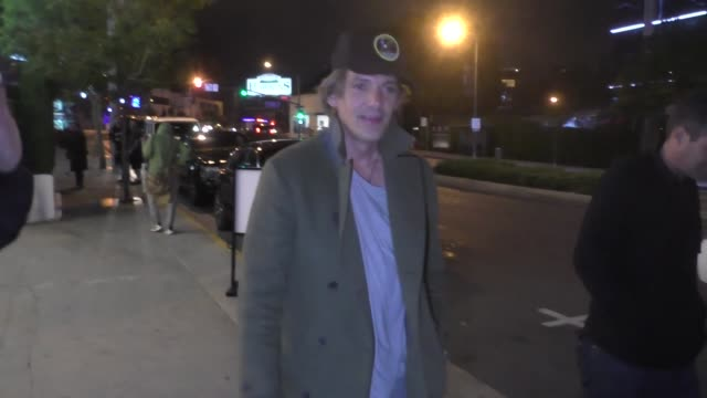 lukas haas dodges questions about leonardo dicaprio outside bootsy bellows in west hollywood at celebrity sightings in los angeles on july 05, 2019... - celebrity sightings stock-videos und b-roll-filmmaterial