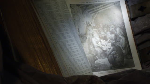 luke 2, classic mary & jesus birth manger illustration, wide and tight shots - new testament stock videos & royalty-free footage