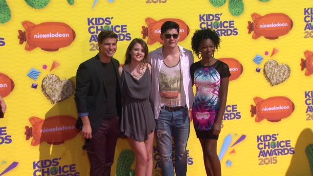 luke bilyk sara waisglass and ricardo hoyos at nickelodeon's 28th annual kids' choice awards at the forum on march 28 2015 in inglewood california - nickelodeon stock videos & royalty-free footage
