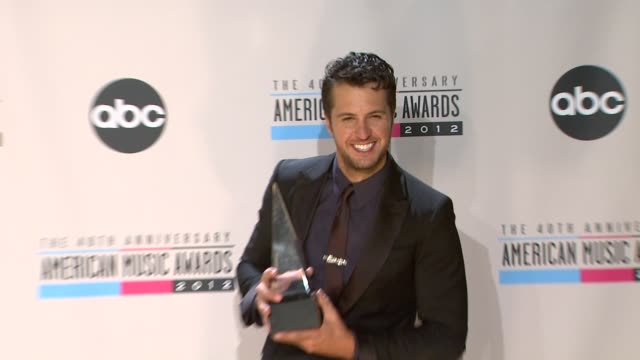 luke bryan at the 40th american music awards press room on in los angeles ca - american music awards stock videos & royalty-free footage