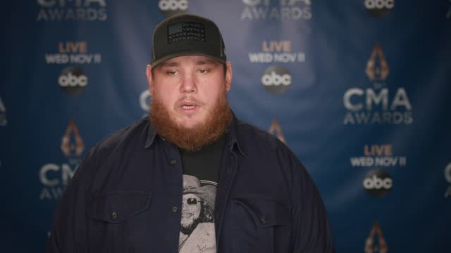 luke combs at the 54th annual cma awards rehearsals - day 3 at music city center on november 10, 2020 in nashville, tennessee. - 年次イベント点の映像素材/bロール