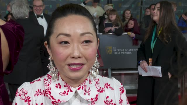 vidéos et rushes de lulu wang, director, the farewell - on the film's bafta nomination for best foreign language film, awkafina winning a golden globe and whether bafta... - golden globe awards