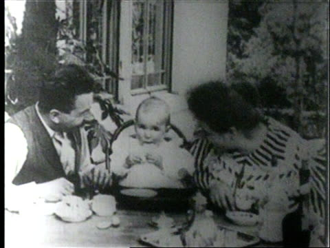 stockvideo's en b-roll-footage met lumiere brothers friendly party in the garden of lumiere / feeding the baby - 19e eeuwse stijl