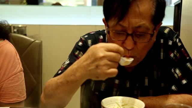 lunch - zuppa video stock e b–roll