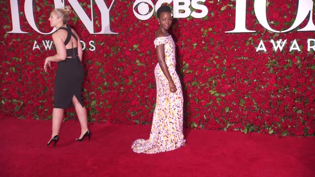 lupita nyong'o at 2016 tony awards red carpet at the beacon theatre on june 12 2016 in new york city - 70th annual tony awards stock videos and b-roll footage