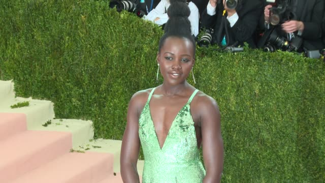 lupita nyong'o at manus x machina fashion in an age of technology costume institute benefit gala arrivals at metropolitan museum of art at the... - manus x machina: fashion in an age of technology stock videos and b-roll footage