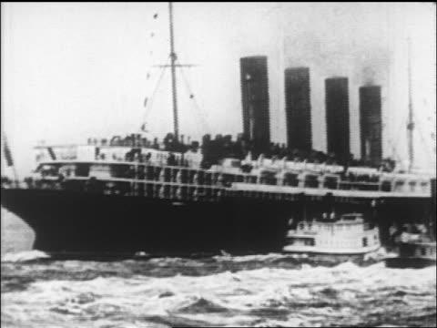 Lusitania sailing away from port / London / newsreel