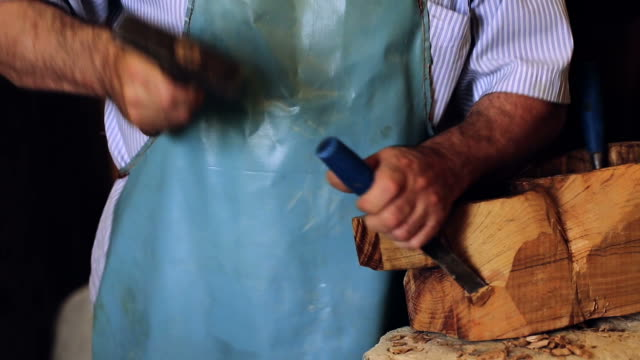 luthier maker workshop and classical music instruments making musical instruments - tar - ワーキングシニア点の映像素材/bロール