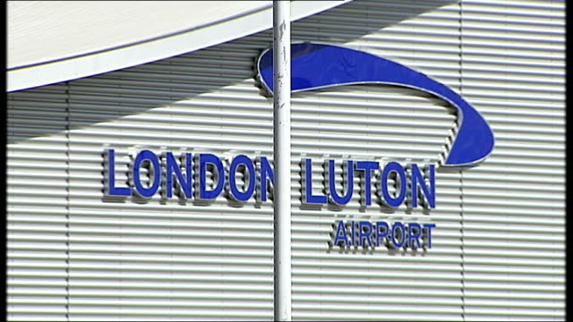 luton airport to start charging drivers who deliver passengers to the terminal england bedfordshire luton airport ext general view of luton airport /... - trolley bus stock videos & royalty-free footage