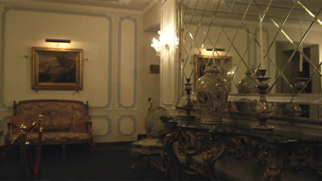 ws ds. luxurious waiting room / venice, italy - home showcase interior stock videos & royalty-free footage