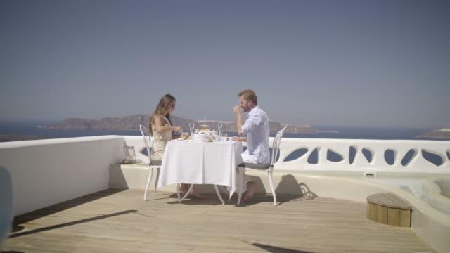luxury breakfast couple veranda - 対面点の映像素材/bロール