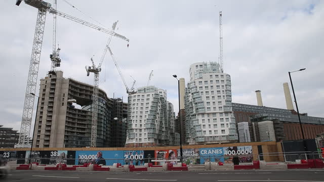 luxury developments in london, london skyline. an influx of cash-rich hong kong buyers is barely making a dent in london's ailing luxury property... - asia stock videos & royalty-free footage
