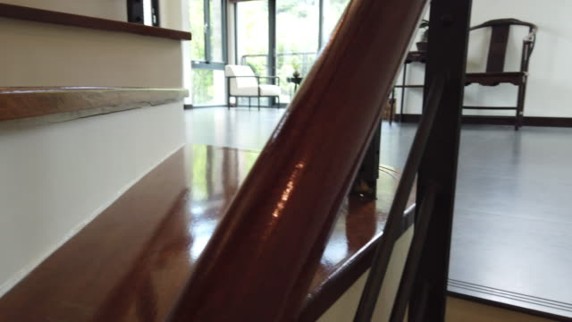 luxuriöses wohnzimmer - design stock-videos und b-roll-filmmaterial
