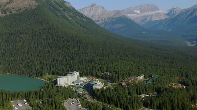 luxury resort on lake louise alberta - banff stock videos & royalty-free footage