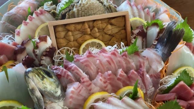 stockvideo's en b-roll-footage met luxe sashimi in japan - voorgerecht
