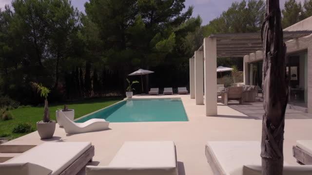 luxury spanish villa - holiday villa stock videos & royalty-free footage