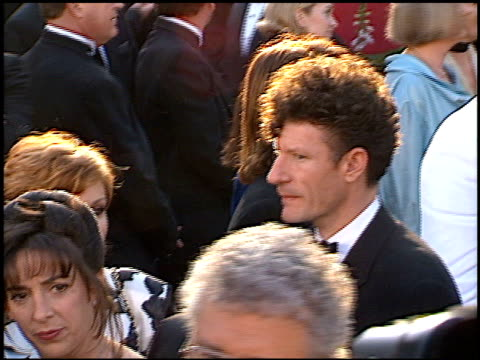 lyle lovett at the 1996 academy awards arrivals at the shrine auditorium in los angeles, california on march 25, 1996. - 第68回アカデミー賞点の映像素材/bロール