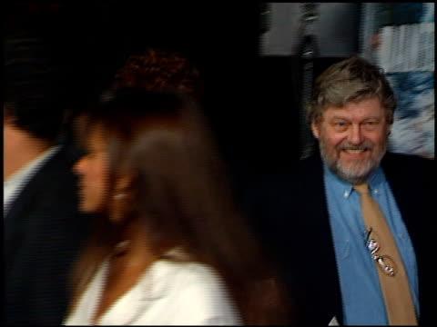 lynn redgrave at the 'dante's peak' premiere at universal amphitheatre in universal city, california on february 5, 1997. - ギブソンアンフィシアター点の映像素材/bロール