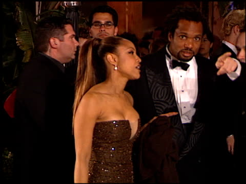 vídeos y material grabado en eventos de stock de lynn whitfield at the 1999 academy awards vanity fair party at morton's in west hollywood california on march 21 1999 - 71ª ceremonia de entrega de los óscars