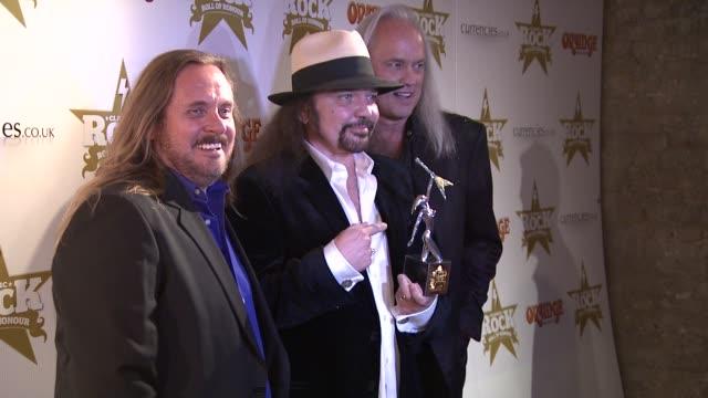 vidéos et rushes de lynrd skynyrd at classic rock awards at the roundhouse on november 13, 2012 in london, england - rock moderne