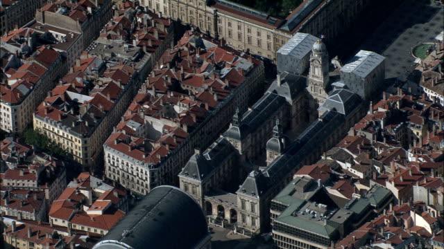 vídeos de stock, filmes e b-roll de lyon de 1500 metros-vista aérea-ródano-alpes, rhône, arrondissement de lyon, frança - rhône alpes