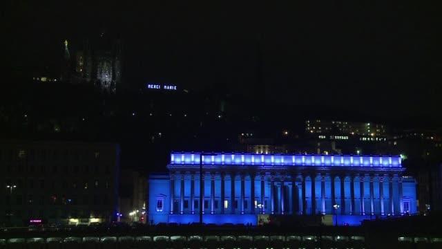 lyon se prepara para recibir este fin de semana unos tres millones de personas durante su tradicional fiesta de las luces - festival tradicional stock videos & royalty-free footage