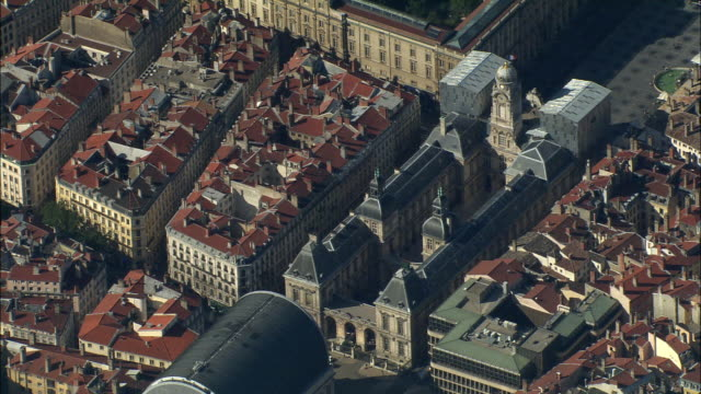 ha, ws, lyon town hall, rhone-alpes, france - 17th century style stock videos & royalty-free footage