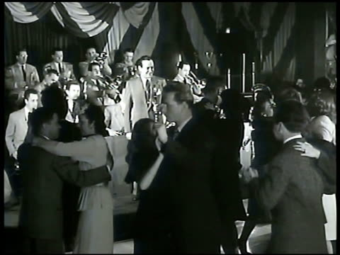 lyons column underlining 400 club club entrance w/ sign for jimmy dorsey people dancing fg jimmy dorsey playing clarinet w/ orchestra bg ms jimmy... - clarinet stock videos & royalty-free footage