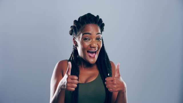vídeos y material grabado en eventos de stock de ¡ te estoy apoyando! - sólo mujeres jóvenes