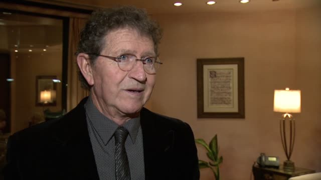 mac davis on receiving the honor & early influences at mac davis recognized as bmi icon at the 2015 bmi country awards on november 03, 2015 in... - 光栄点の映像素材/bロール