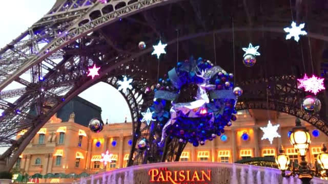 macao - china, december 30th, 2018: the parisian hotel skyline at christmas time. - chinese culture stock videos & royalty-free footage