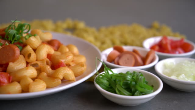 macaroni with sausage