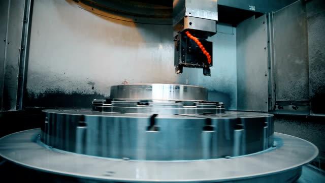 vídeos de stock e filmes b-roll de cnc machine - painel de cristal líquido