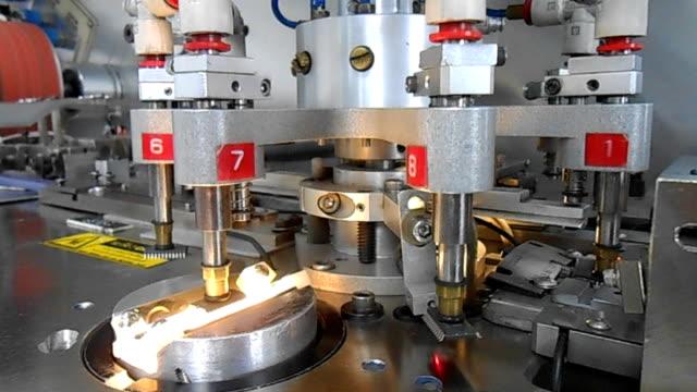 半導体産業で働く機械 - 半導体点の映像素材/bロール