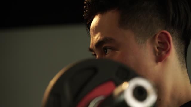 macho man is training the body - sports training点の映像素材/bロール