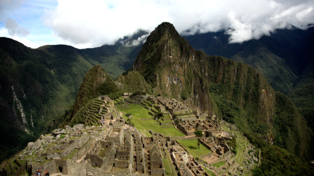 machu and wayna picchu timelapse - archaeology stock videos & royalty-free footage