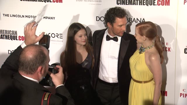 mackenzie foy matthew mcconaughey and jessica chastain at the 28th american cinematheque award honoring matthew mcconaughey at the beverly hilton... - american cinematheque stock videos & royalty-free footage