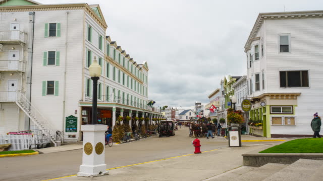 mackinac island main street time lapse - street name sign stock videos & royalty-free footage