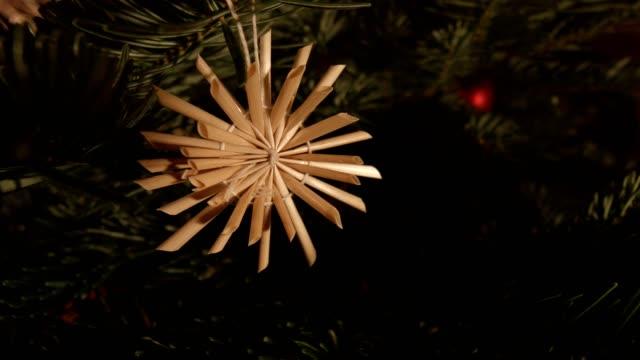 stockvideo's en b-roll-footage met macro dolly: kerstboom - oostenrijkse cultuur