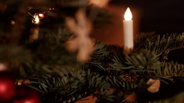 macro dolly: christmas tree - traditionally austrian stock videos & royalty-free footage