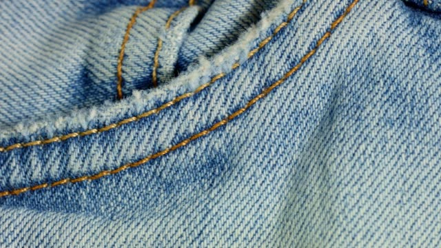 Macro dolly: Jeans